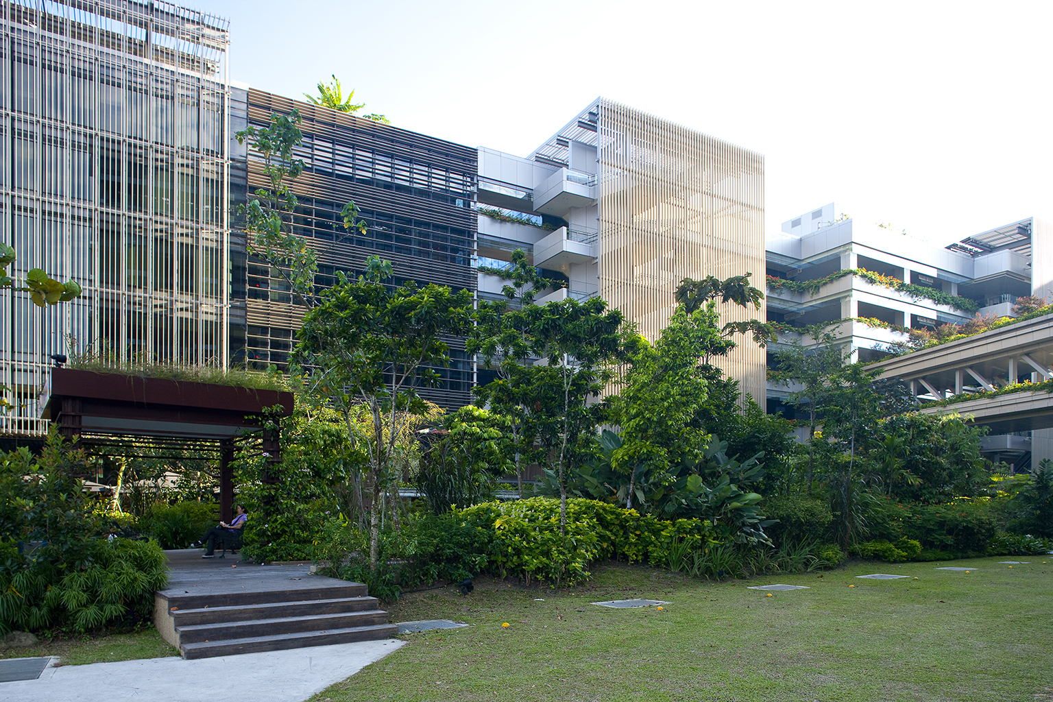 FLICKR/Jui-Yong Sim - lush greenery surrounds Khoo Teck Puat Hospital in Singapore, January 15, 2012.