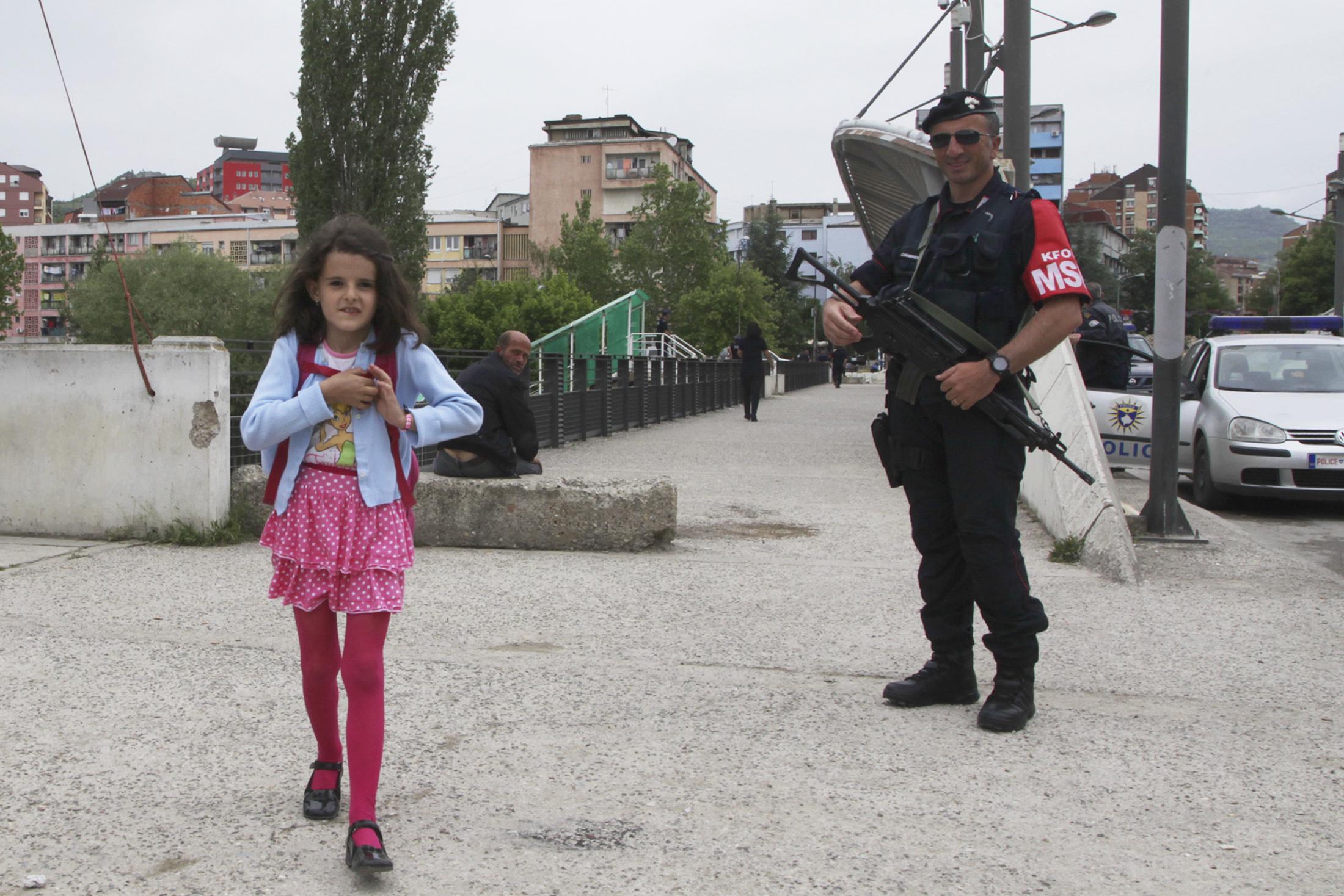 kosovo_soldier001
