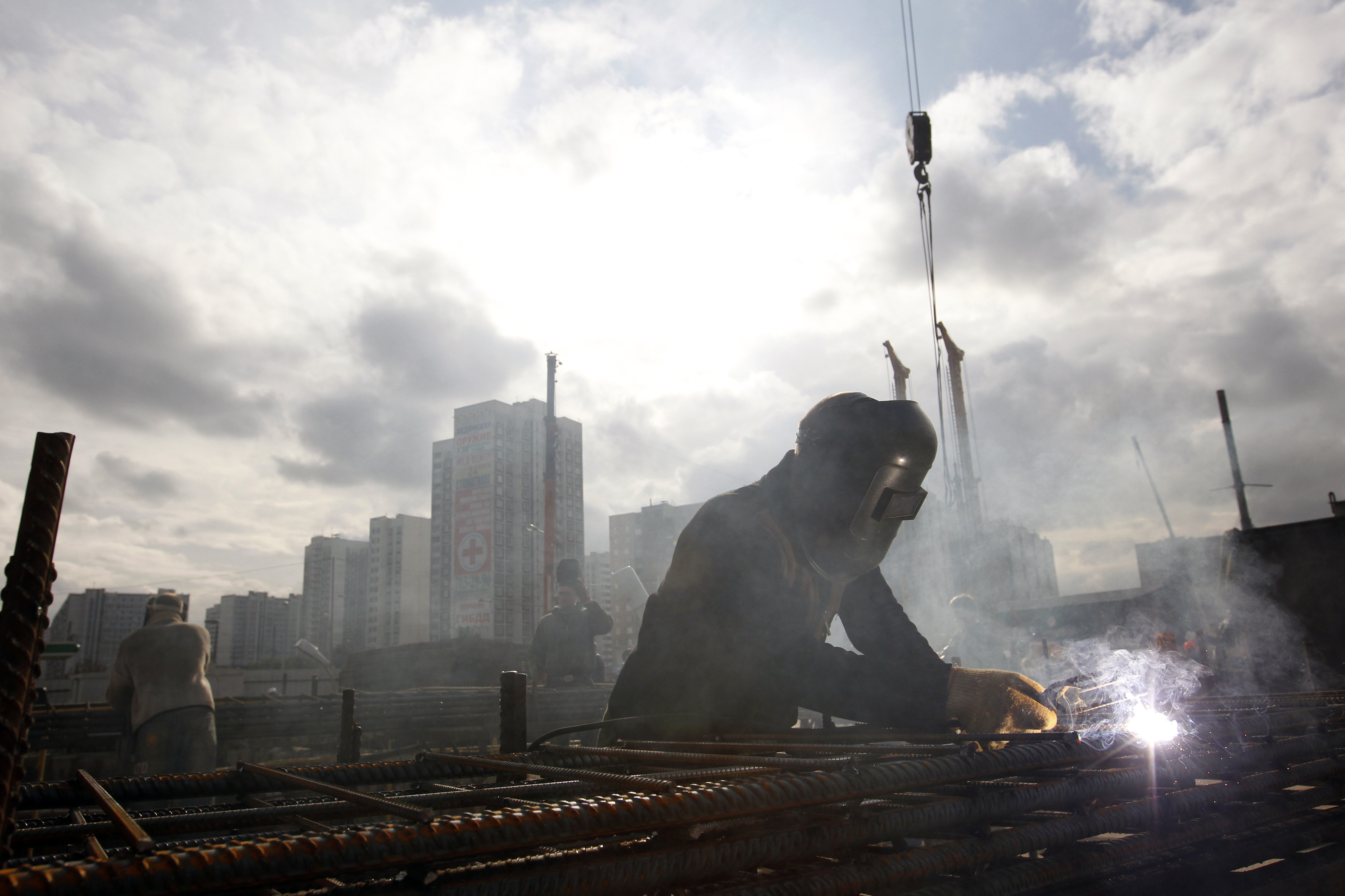 Rebuilding the Russian economy: Is a lack of policy the right policy?