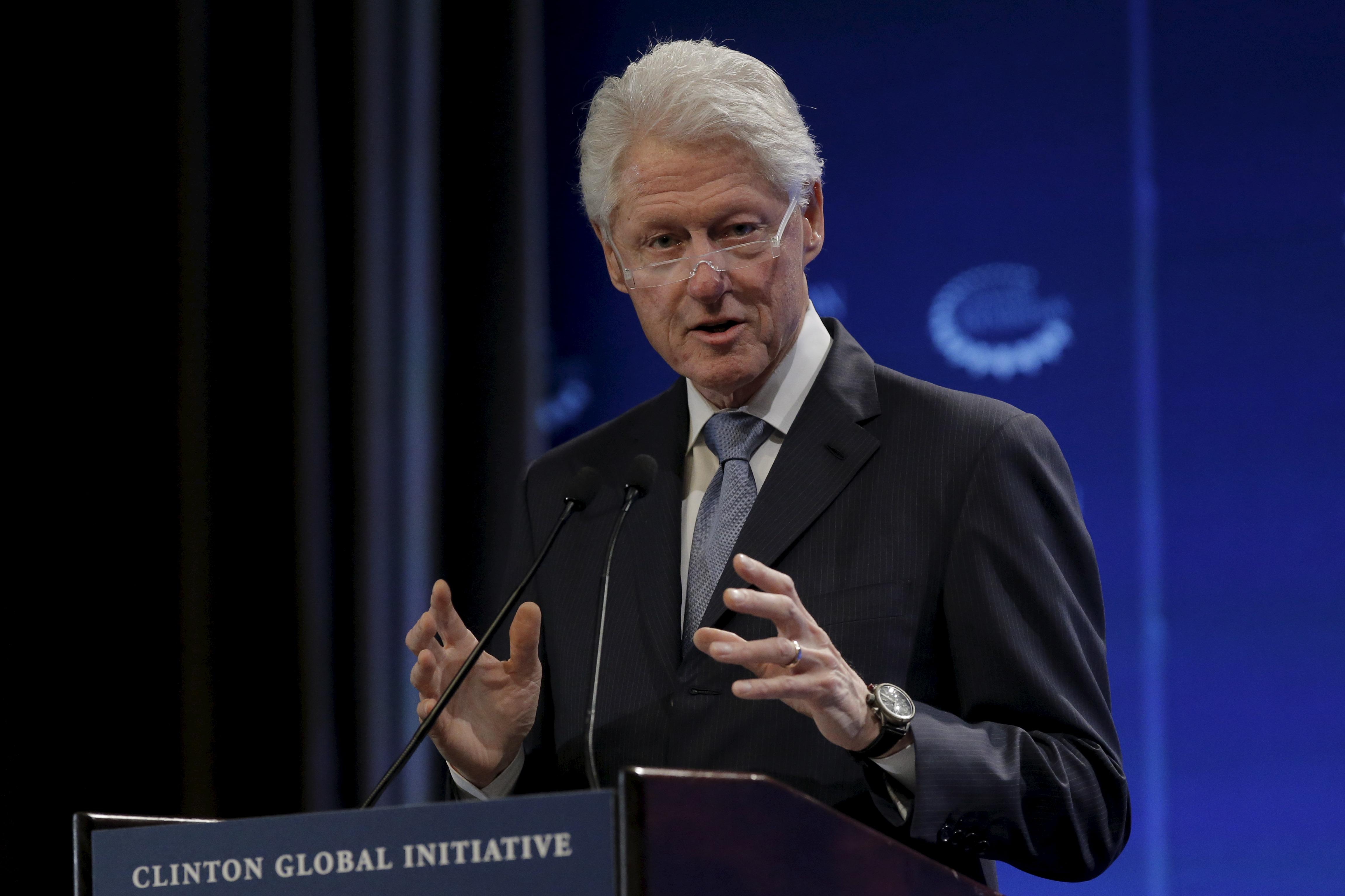 Former U.S. President Bill Clinton speaks during the Clinton Global Initiative's winter meeting in New York, February 4, 2016. REUTERS/Brendan McDermid - RTX25HBP