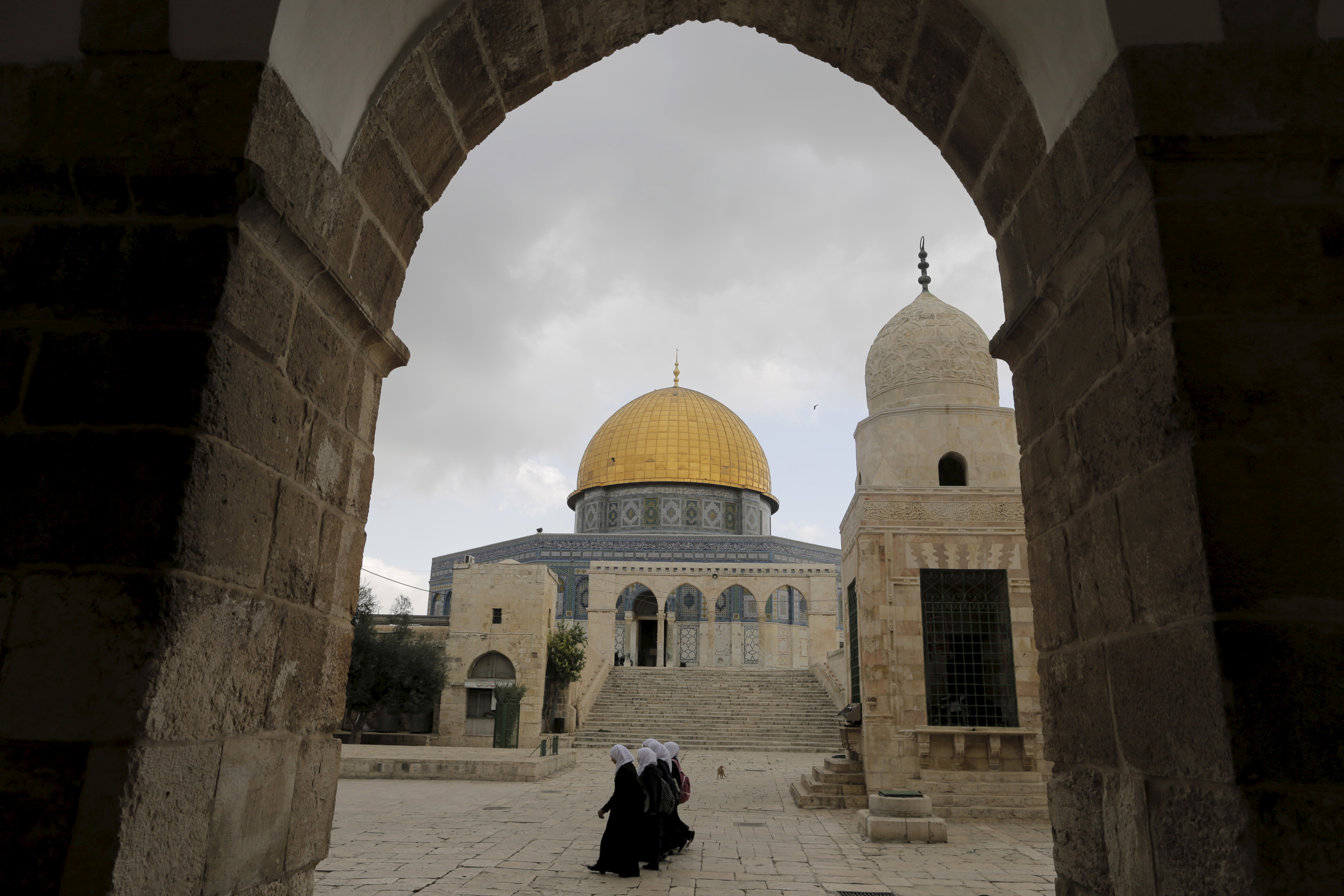 the conflicts between the muslims and christians regarding the holy city of jerusalem