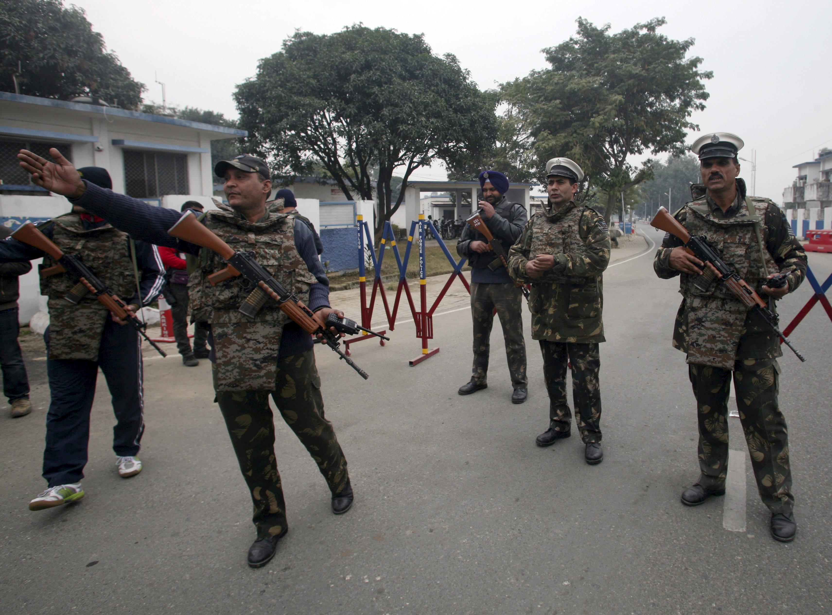 IAF personal with Indian made rifle INSAS during Patahkot terrorist attack