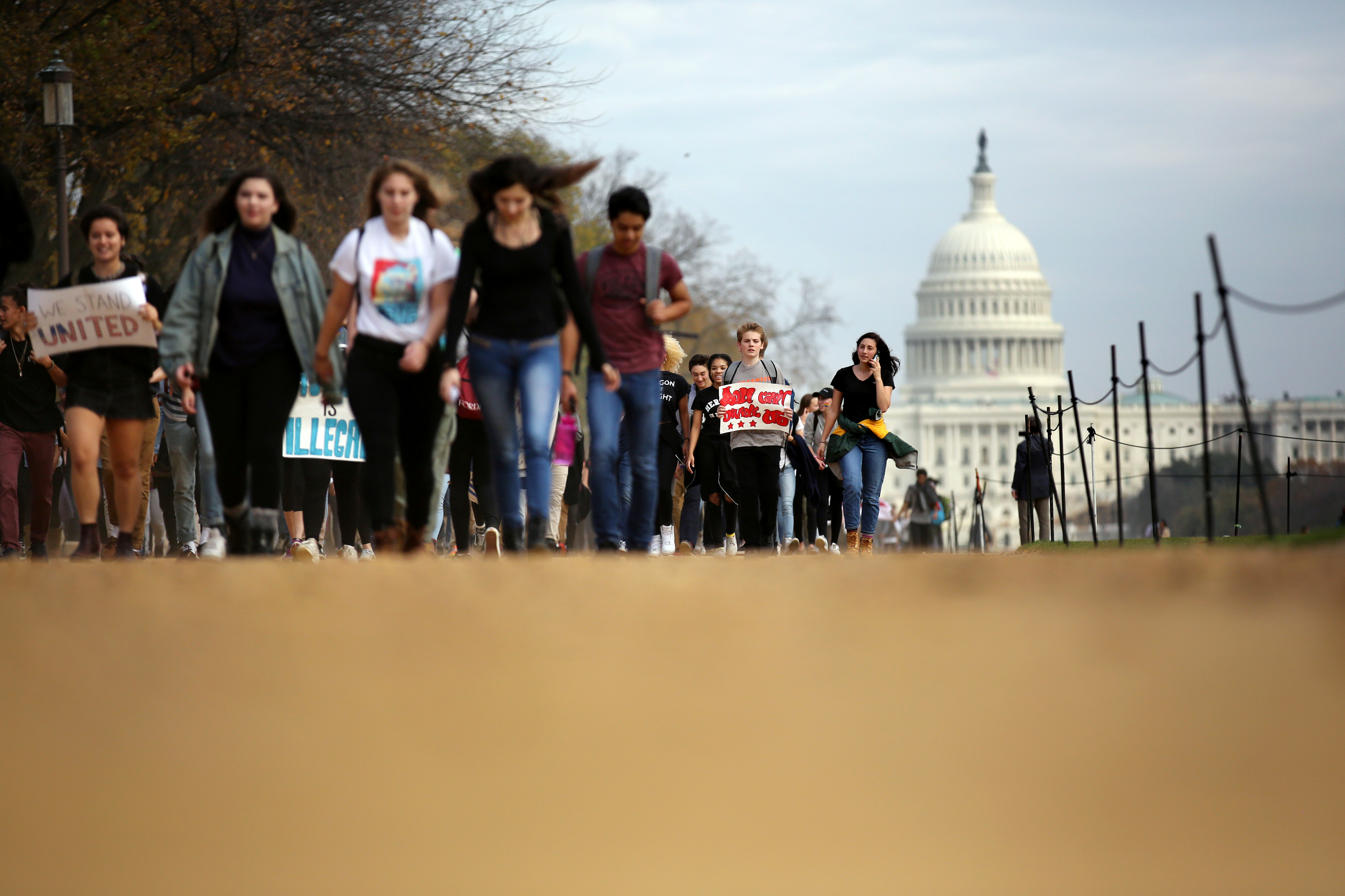Students march along the National Mall during a protest against President-elect Donald Trump in Washington, U.S., November 15, 2016. REUTERS/Carlos Barria     TPX IMAGES OF THE DAY      - RTX2TU9E