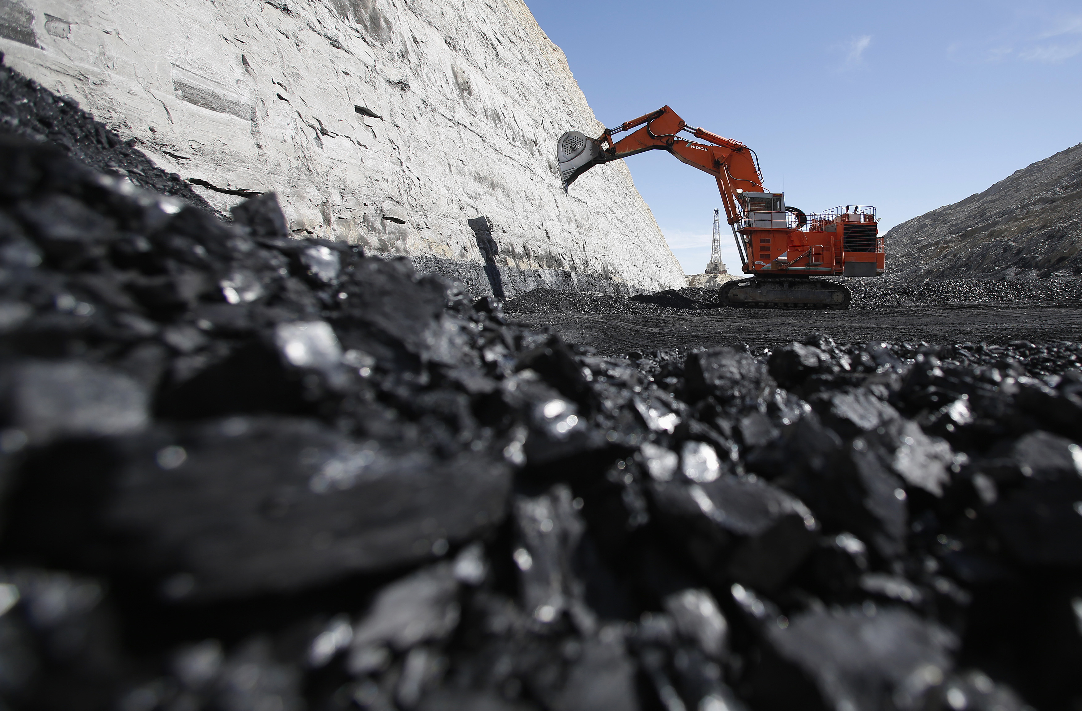 Five charts that show why trump can t deliver on his coal promises - Mining images hd ...