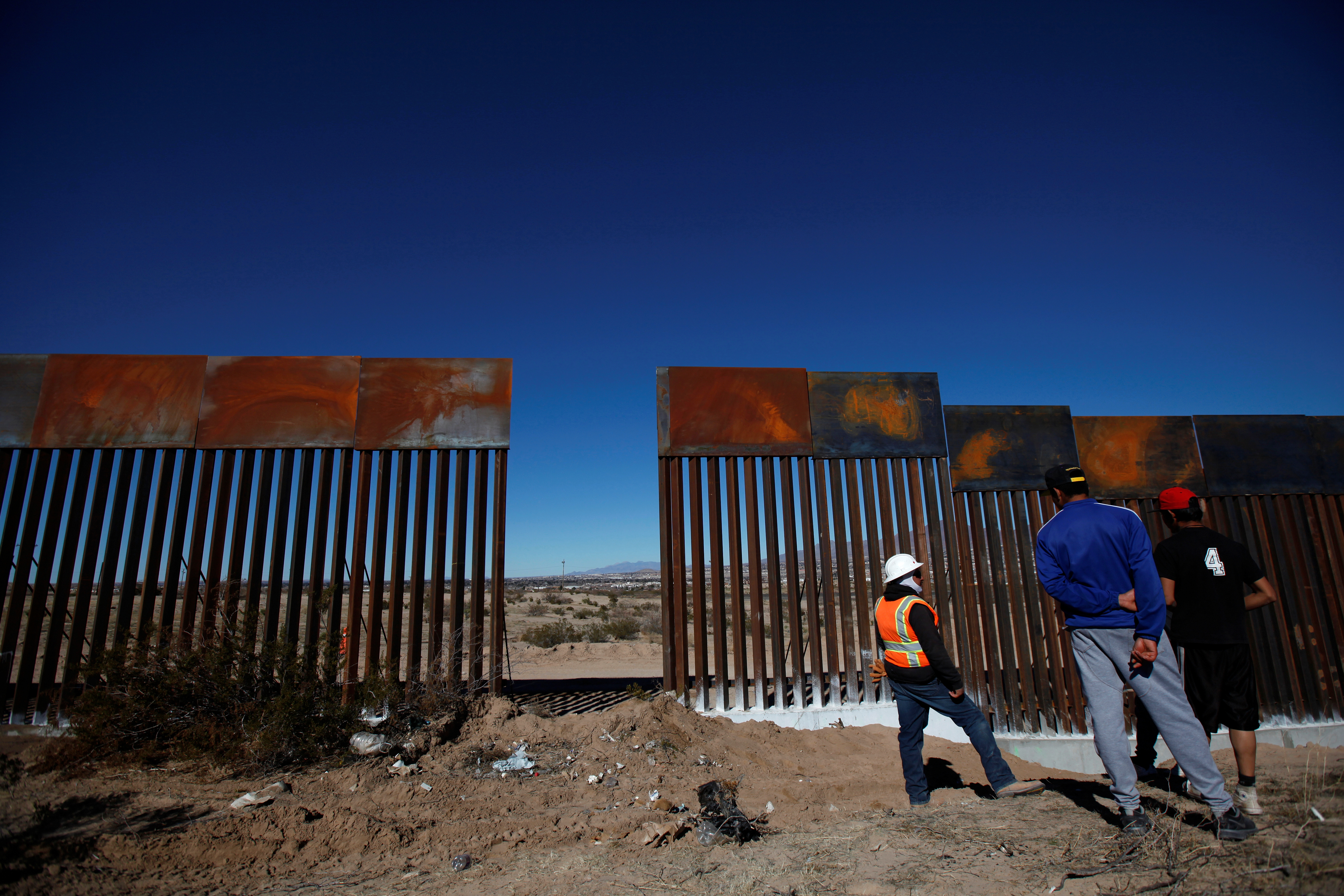 Why the border wall s costs far outweigh its benefits for Border wall
