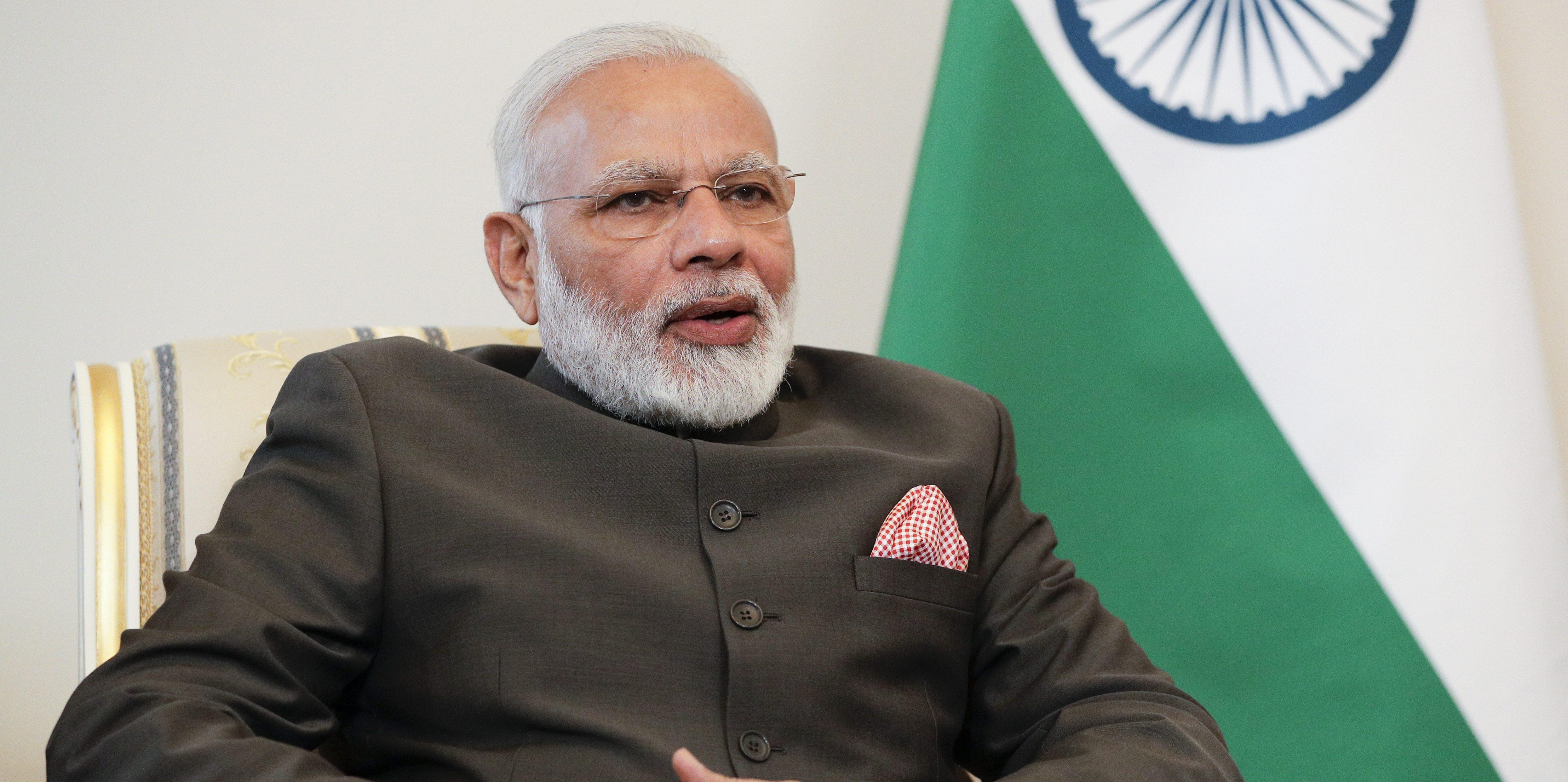 Indian Prime Minister Narendra Modi meets with Russian President Vladimir Putin on the sidelines of the St. Petersburg International Economic Forum (SPIEF), Russia, June 1, 2017. REUTERS/Dmitri Lovetsky/Pool - RTX38IZU