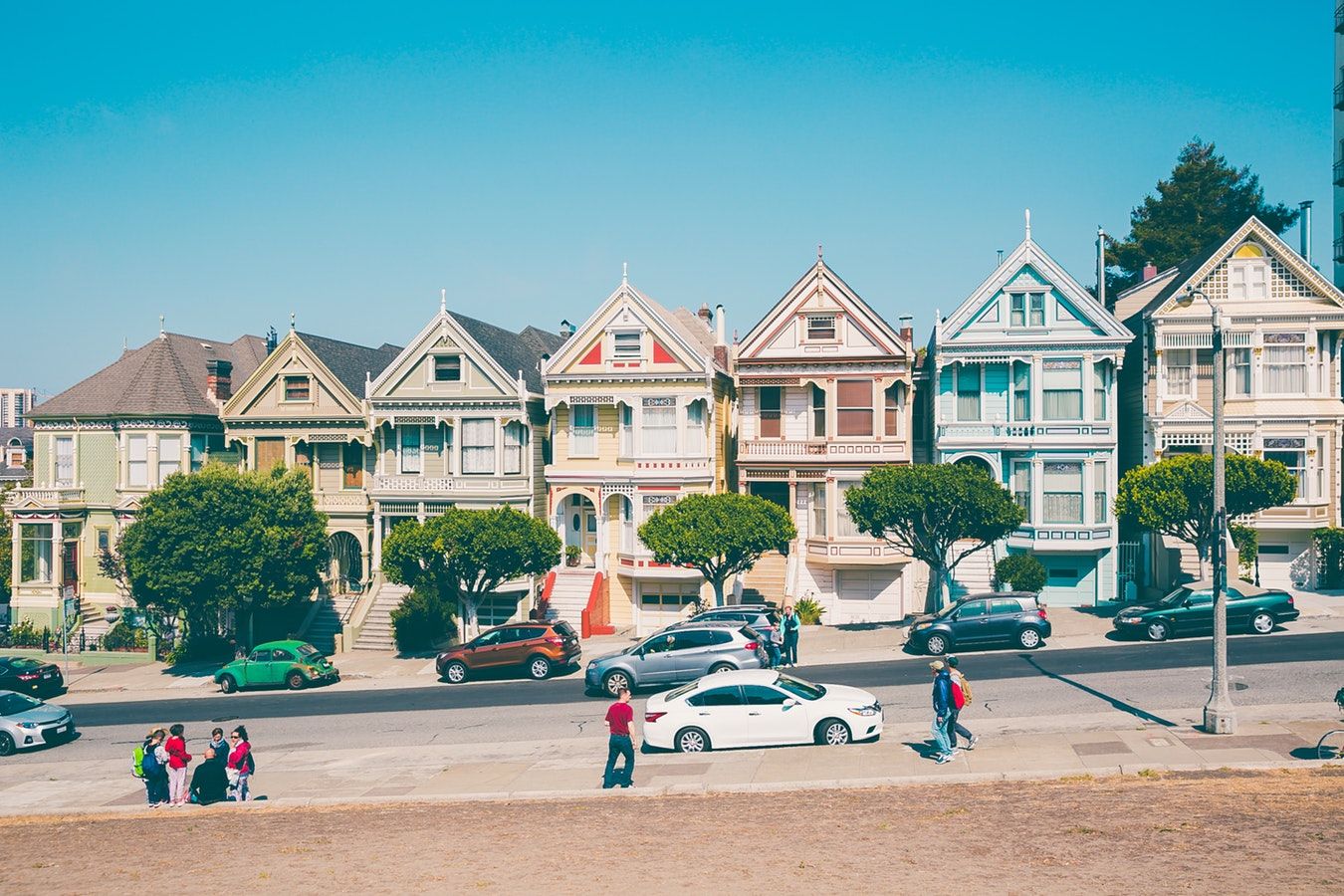 Photo: A San Francisco street with houses and people