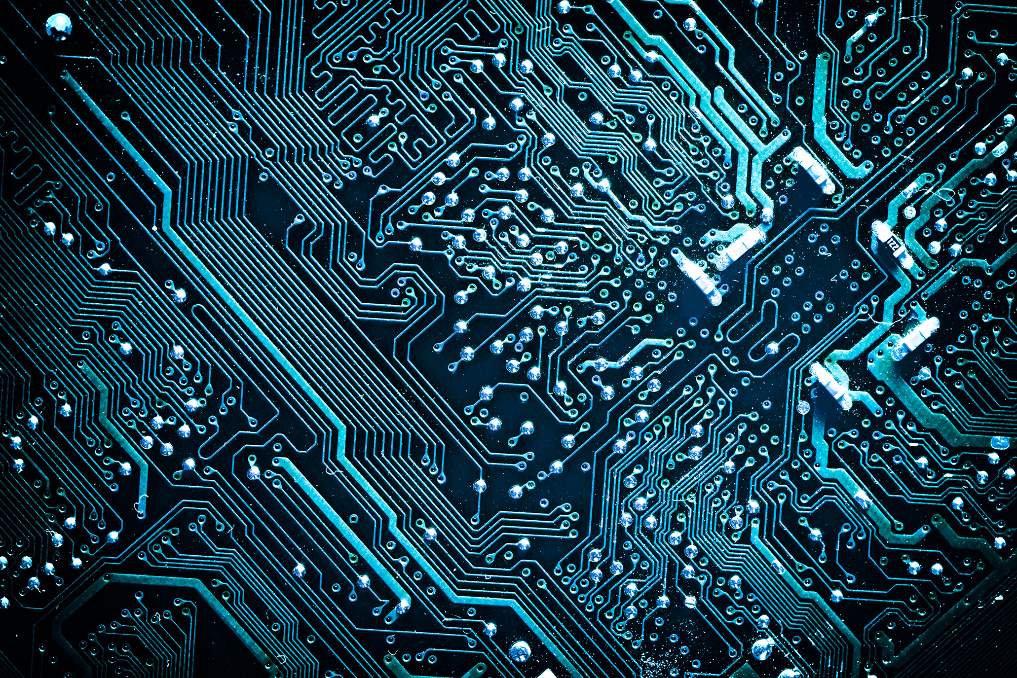 tech empowers tech polarizes