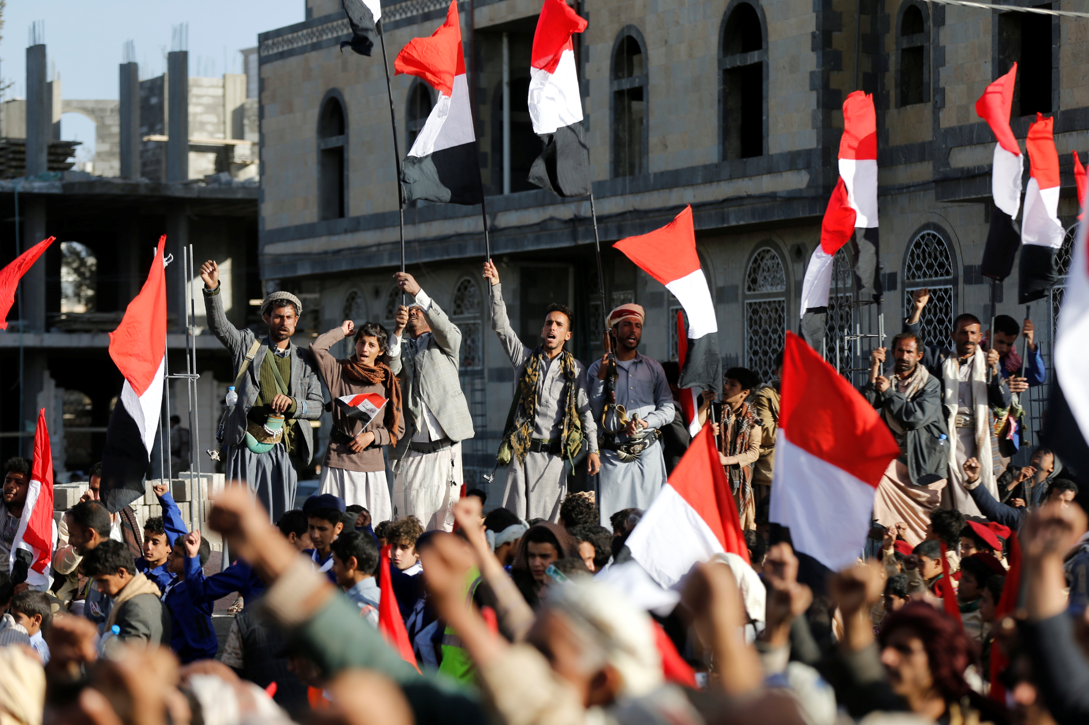 Houthi followers rally to celebrate the killing of Yemen's former president Ali Abdullah Saleh in Sanaa, Yemen December 5, 2017. REUTERS/Khaled Abdullah - RC14B0A132D0