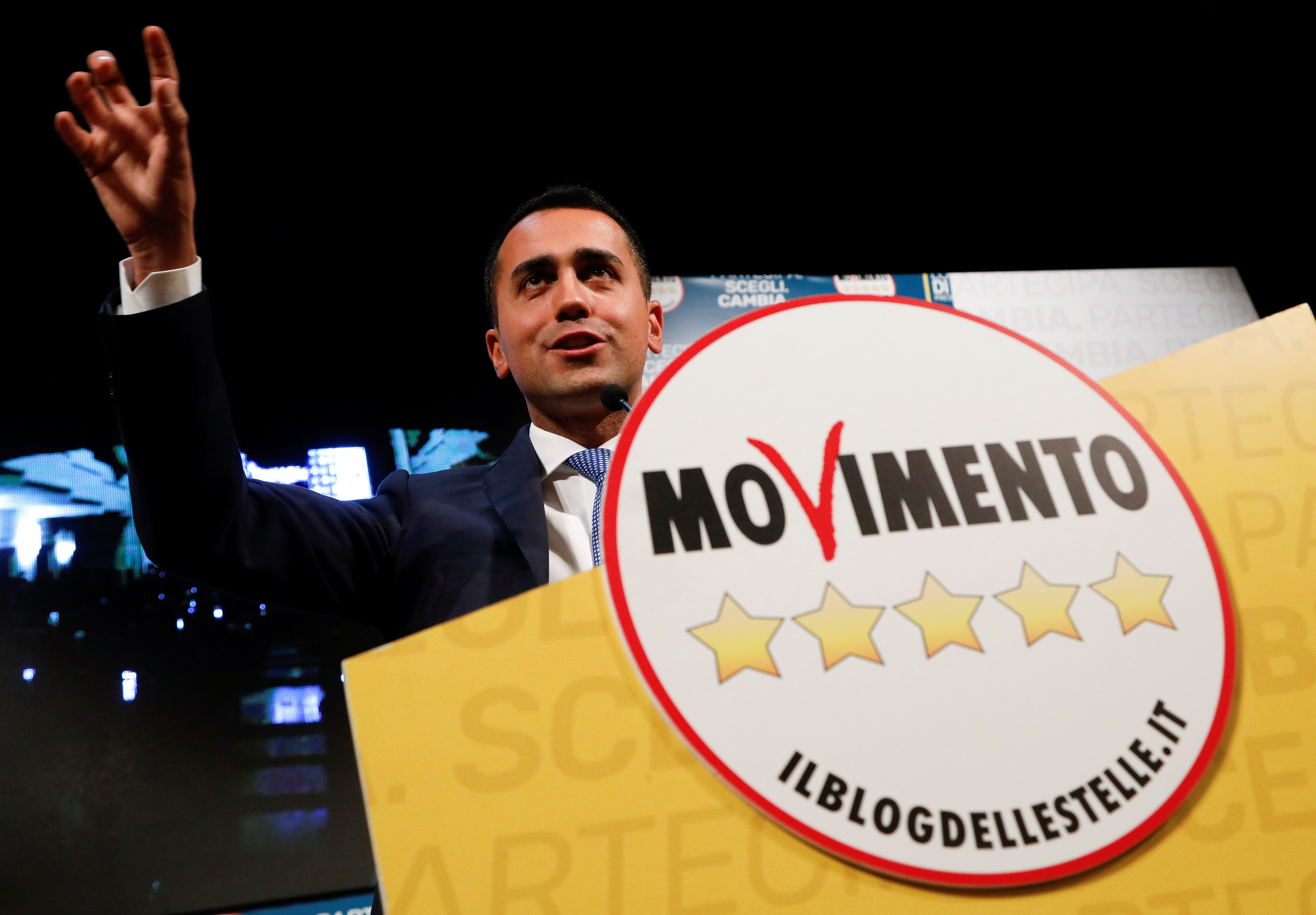 5-Star Movement leader Luigi Di Maio speaks during an electoral rally in Caserta, Italy February 23, 2018. REUTERS/Ciro De Luca - RC1551BD32F0