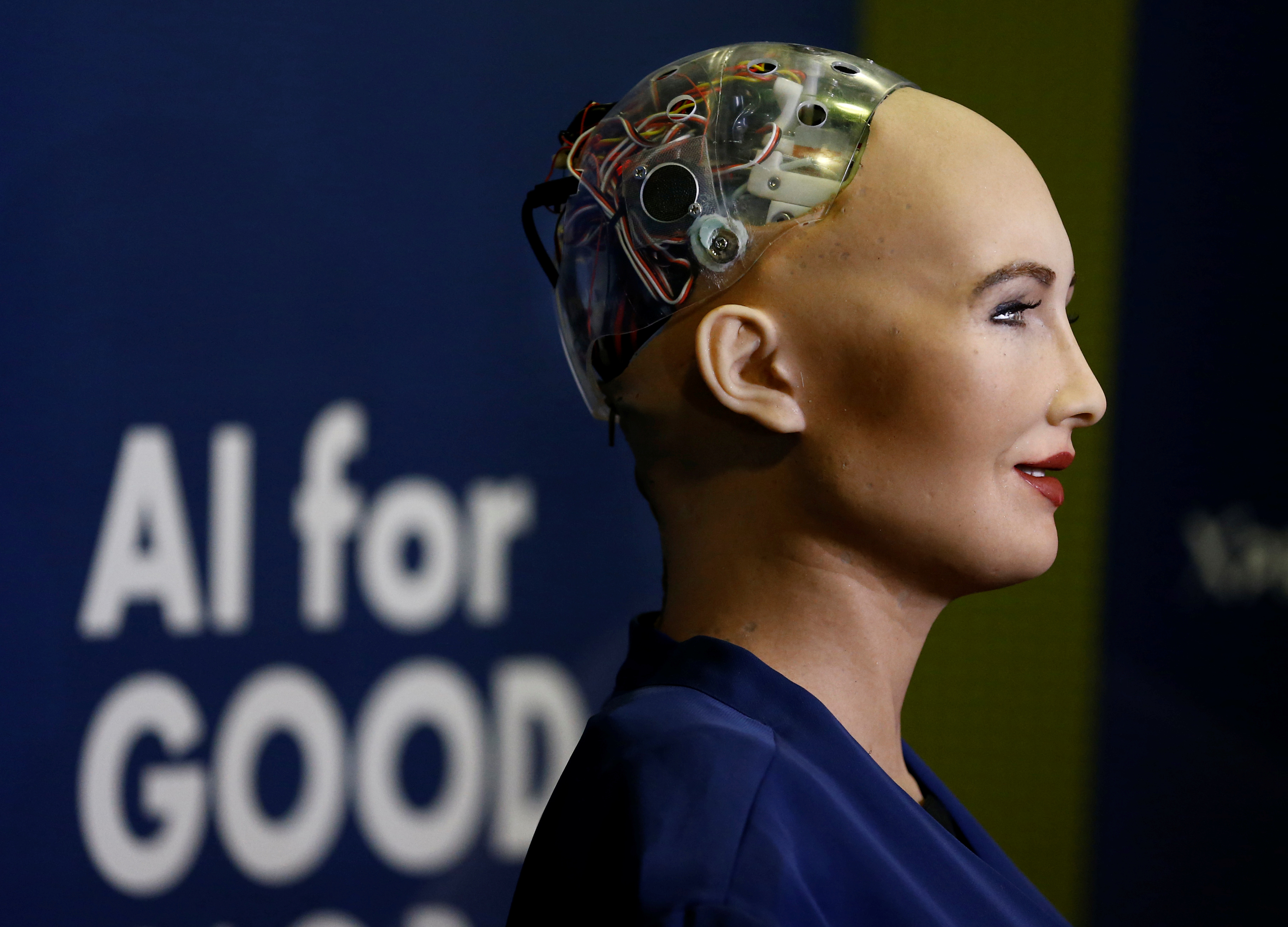 """Sophia, a robot integrating the latest technologies and artificial intelligence developed by Hanson Robotics is pictured during a presentation at the """"AI for Good"""" Global Summit at the International Telecommunication Union (ITU) in Geneva, Switzerland June 7, 2017. REUTERS/Denis Balibouse - RC161DD14970"""