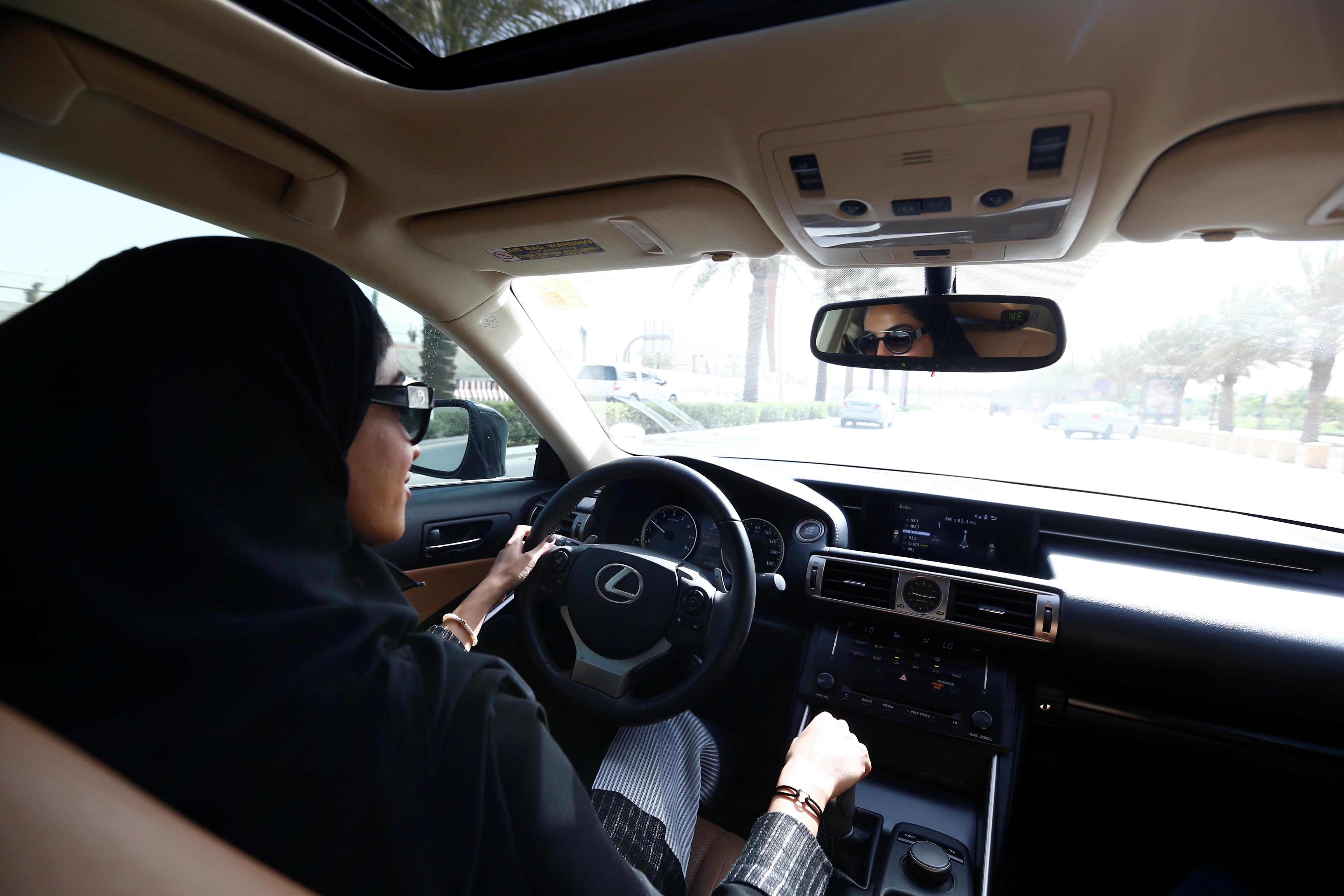 Gcc News Roundup Saudi Arabias Driving Ban Ends Yemens Warring Parties Agree To Resume Negotiations June