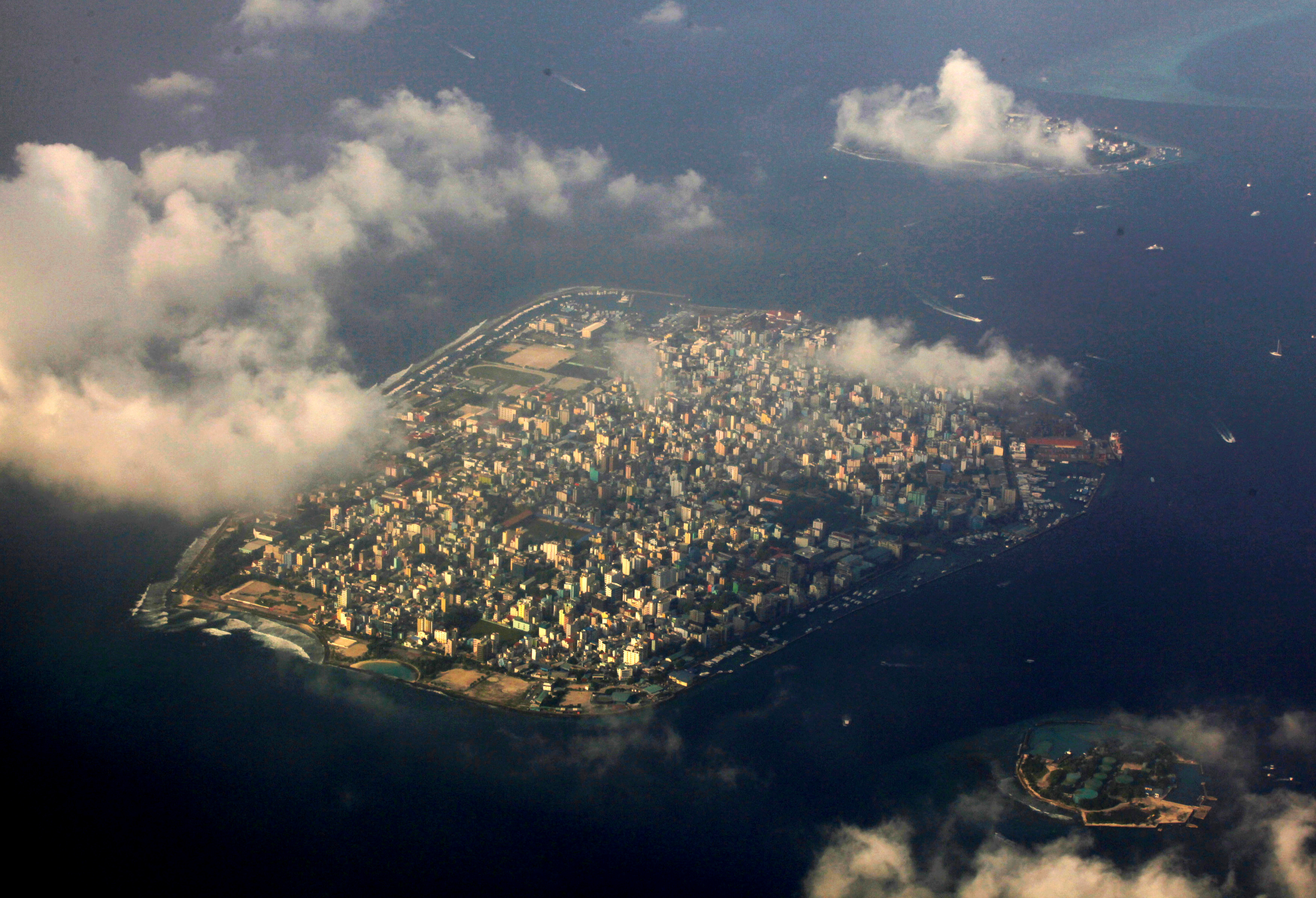 An aerial view of Maldives capital Male December 9, 2009. REUTERS/Reinhard Krause/File photo - S1BEUGVKXCAA