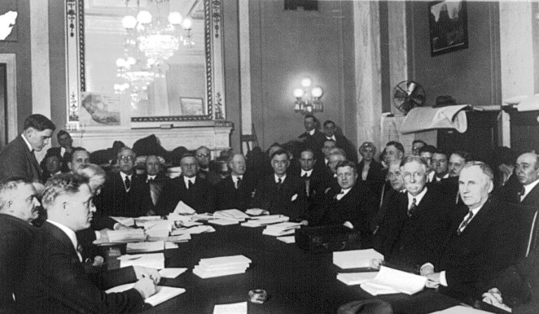 Edward L. Doheny testifying before the Senate Comm. investigating the Tea Pot Oil Leases