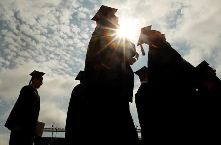A look at Pell Grant recipients' graduation rates