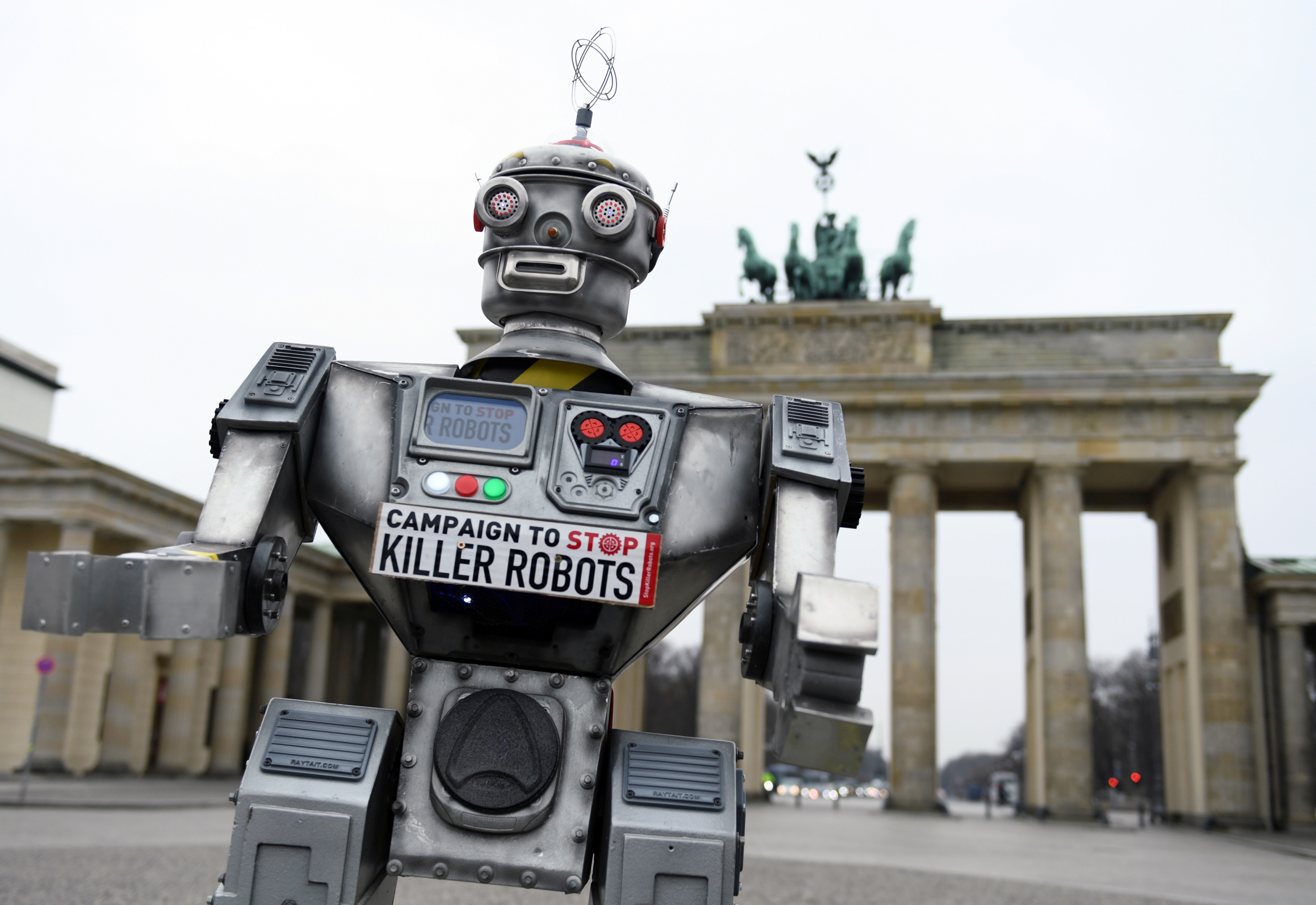 Activists from the Campaign to Stop Killer Robots, a coalition of non-governmental organisations opposing lethal autonomous weapons or so-called 'killer robots', stage a protest at Brandenburg Gate in Berlin, Germany, March, 21, 2019. REUTERS/Annegret Hilse - RC17B0F5E300