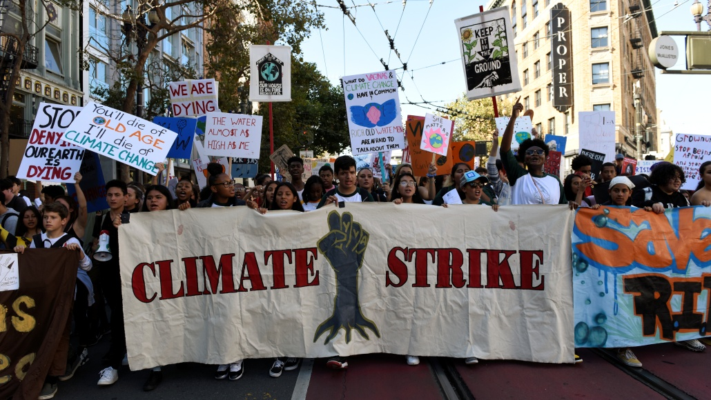 Politicians from around the world consider the 'Global Green Deal' to solve the climate crisis.