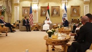 Emirados Árabes Unidos e Israel normalizam laços, Catar reforma leis trabalhistas (1º a 31 de agosto) 2