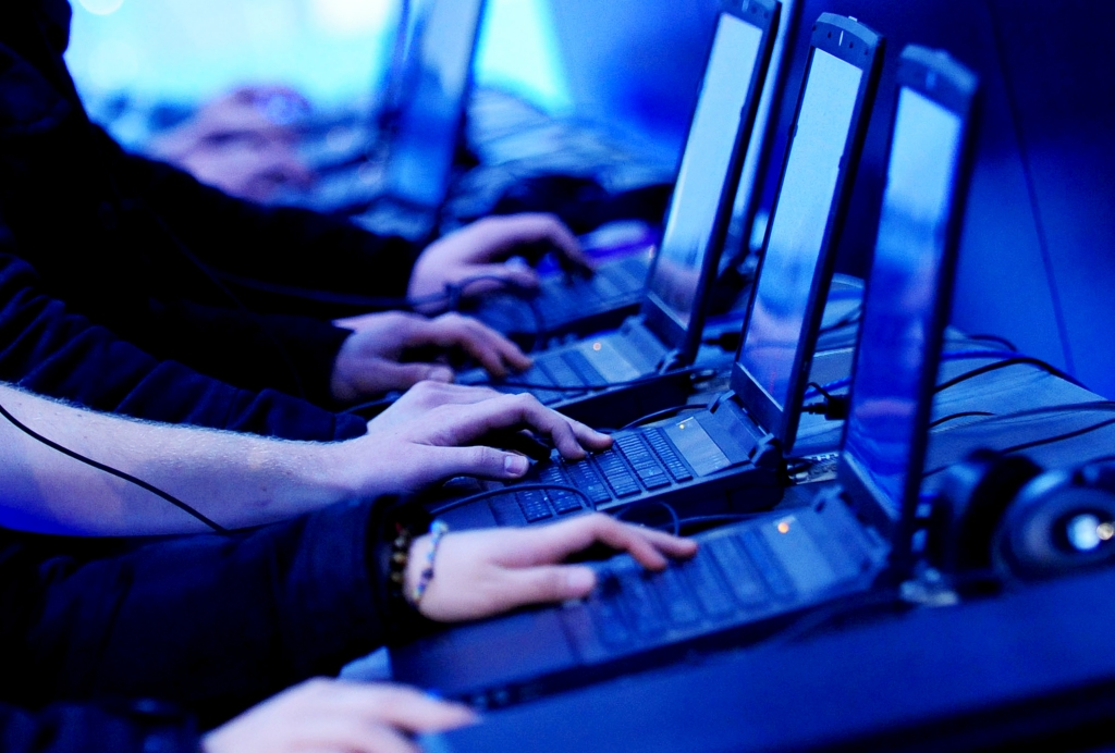 When playing online, gamers should be extremely cautious in order to avoid downloading malware.