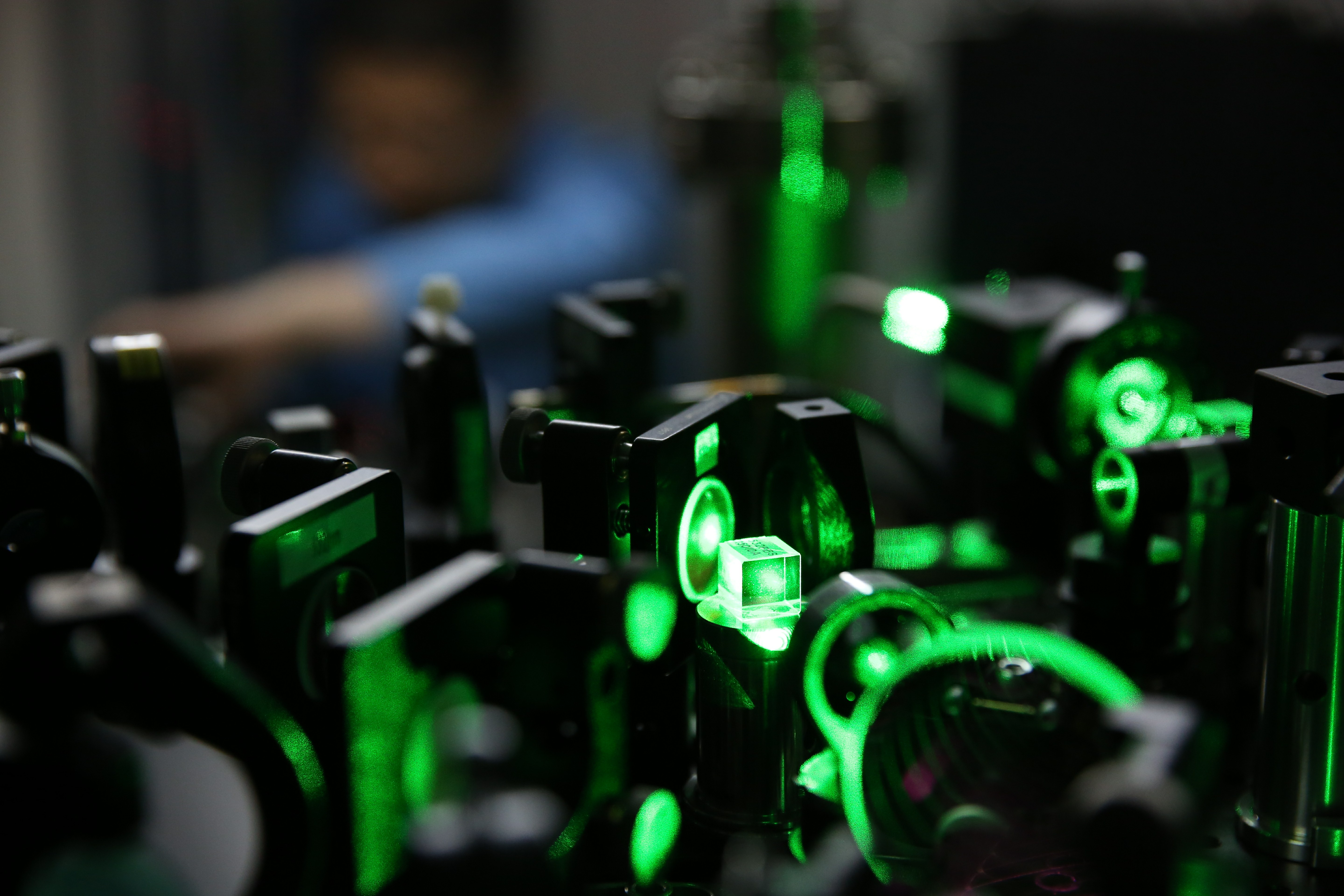 A Chinese researcher works on an ultracold atom device at the CAS-Alibaba Quantum Computing Laboratory in Shanghai, China, 30 July 2015.  Aliyun, the cloud-computing arm of Chinese e-commerce giant Alibaba Group Holding Ltd., is co-founding a quantum computing laboratory with the Chinese Academy of Sciences to help secure its data centers and develop a new type of computer. The formation of the CAS-Alibaba Quantum Computing Laboratory in Shanghai is similar to research initiatives by Microsoft Corp., Google Inc., International Business Machines Corp. and various government-backed scientific laboratories. Researchers are trying to find practical applications in computing and cryptography from the theoretically unique properties of subatomic particles. Quantum mechanics may lead to much faster calculations and almost impossible to break cryptography, its promoters argue.No Use China. No Use France.