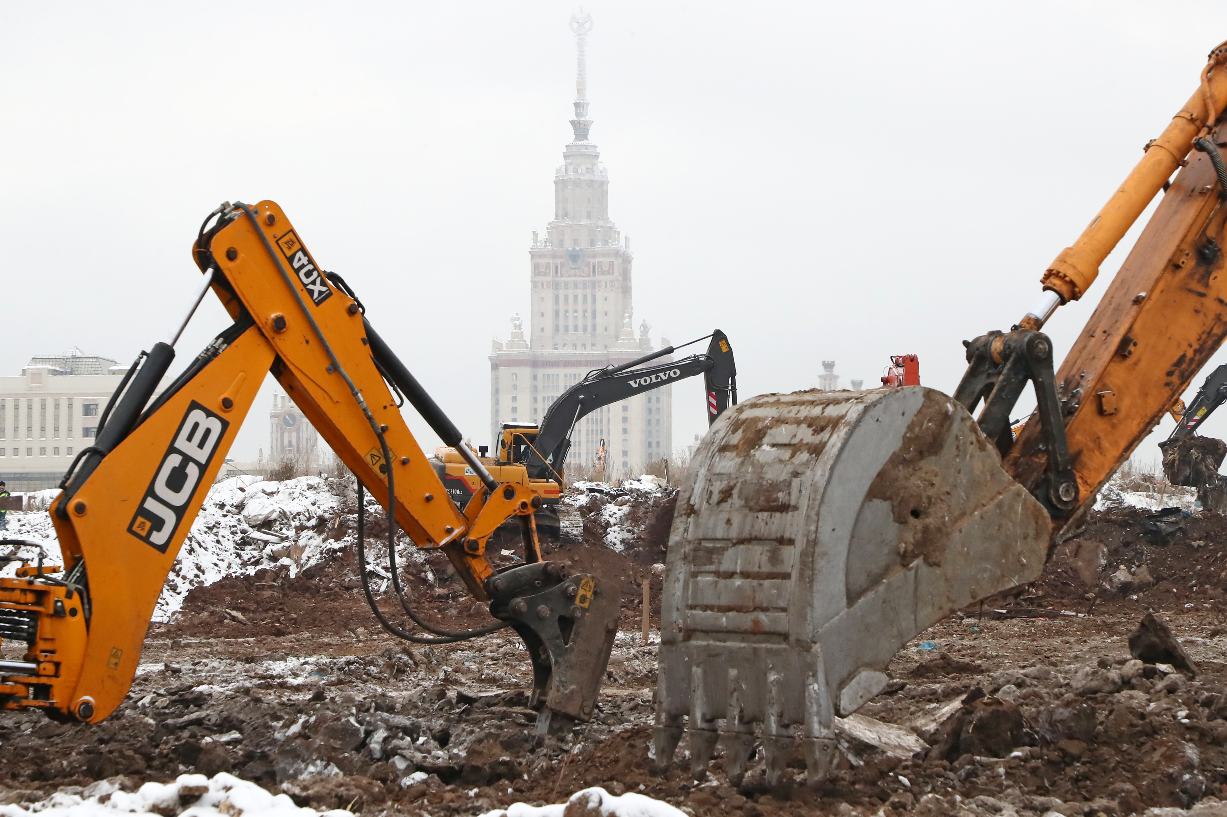 MOSCOW, RUSSIA – JANUARY 7, 2021: Work underway to clean up a former dumping ground at the construction site of Moscow State University's Vorobyovy Gory Innovative Science and Technology Center (INTTs). The site with an area of 300,000 square metres is expected to be cleaned up in one and a half months. The project is unofficially referred to as 'research and technology valley ' or 'science valley'. In 2019, the Russian government announced plans to establish 15 specialised scientific and educational centres (referred to as 'valleys') based at Russia's leading universities as part of the Nauka Project. Vorobyovy Gory Innovative Science and Technology Centre will be granted special legal regimes and tax breaks similar to those granted to Skolkovo. Anton Novoderezhkin/TASS.No use Russia.