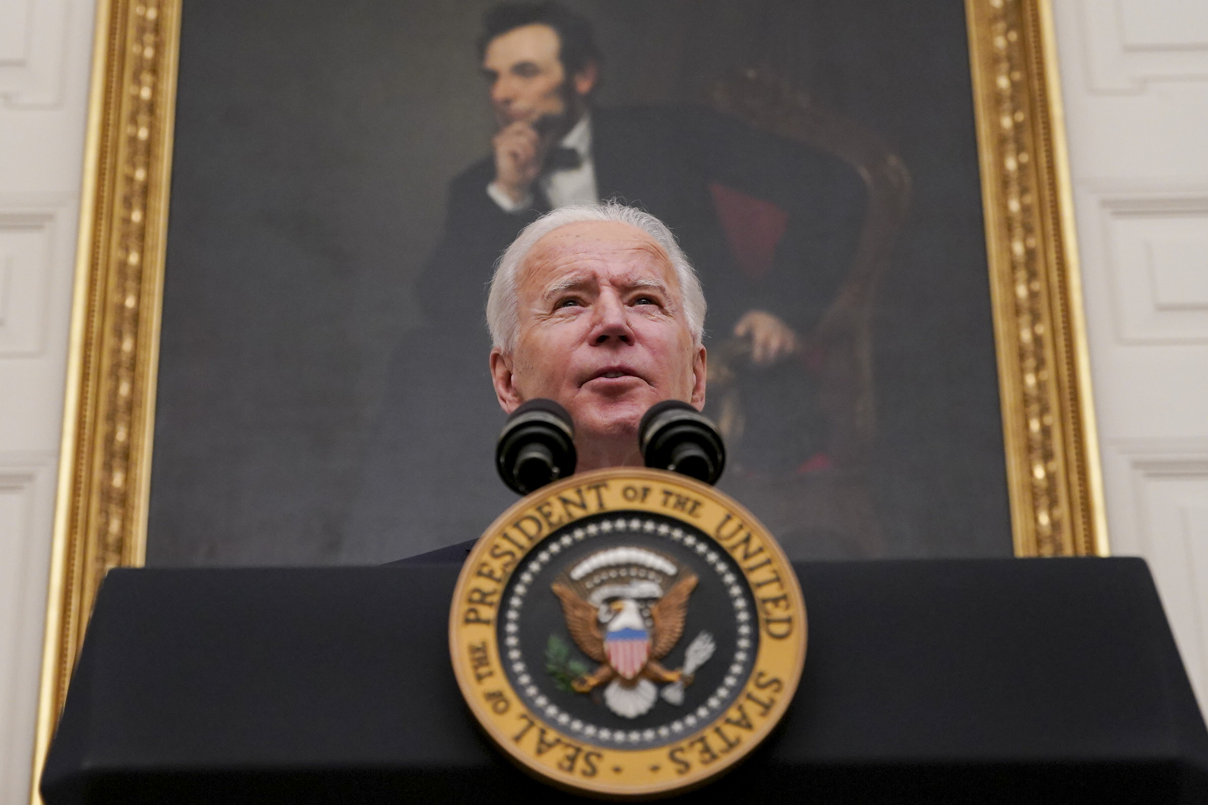 U.S. President Joe Biden speaks during an event on his administration's Covid-19 response in the State Dining Room of the White House in Washington, D.C., U.S., on Thursday, Jan. 21, 2021. Biden in his first full day in office plans to issue a sweeping set of executive orders to tackle the raging Covid-19 pandemic that will rapidly reverse or refashion many of his predecessor's most heavily criticized policies. Photographer: Al Drago/Pool/Sipa USA No Use Germany.