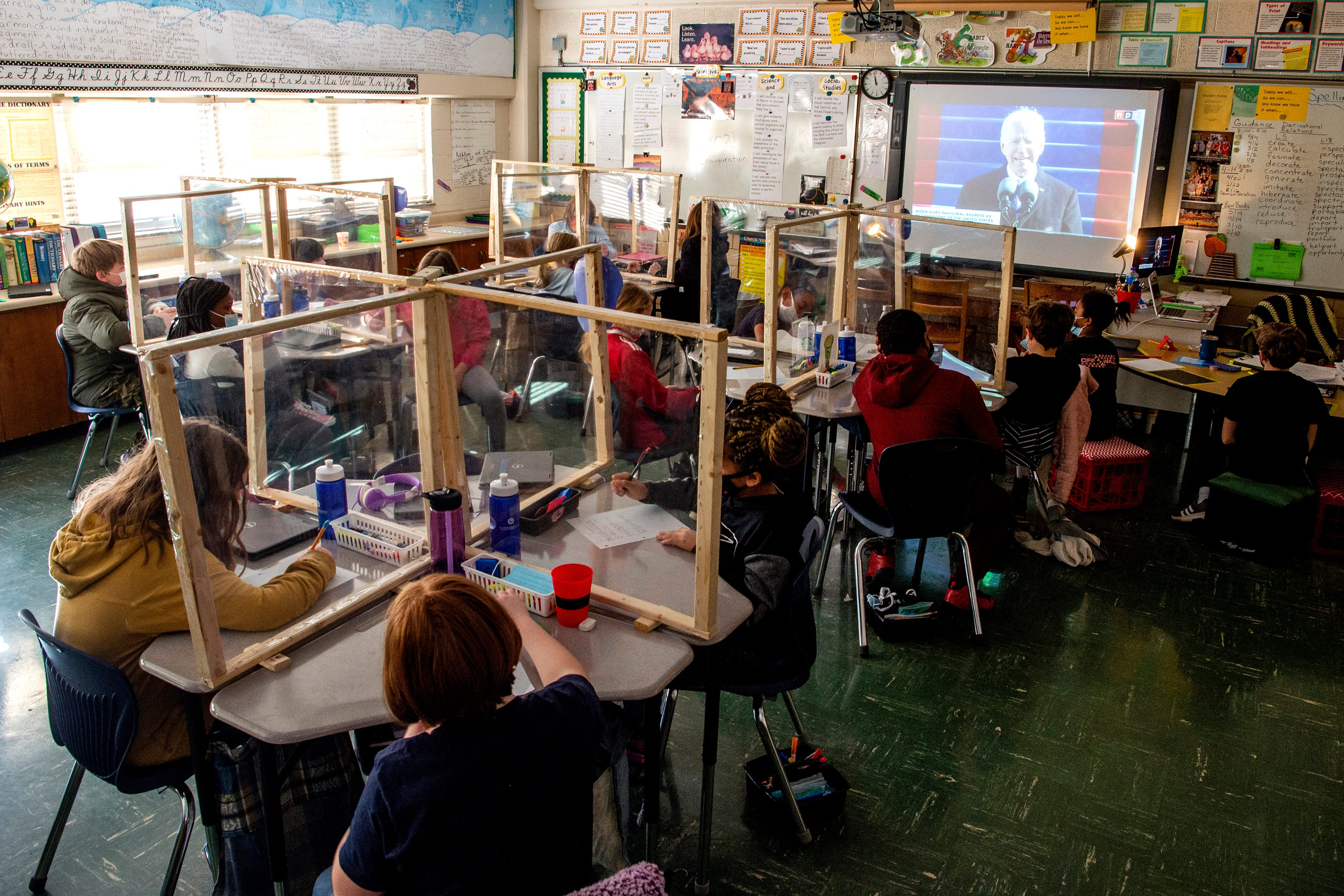 Students in Anne Lefler   s fifth grade class at South Knoxville Elementary watch as President Joe Biden speaks to the nation in his inauguration speech on Wednesday, January 20, 2021.Kns Inauguration School Bp