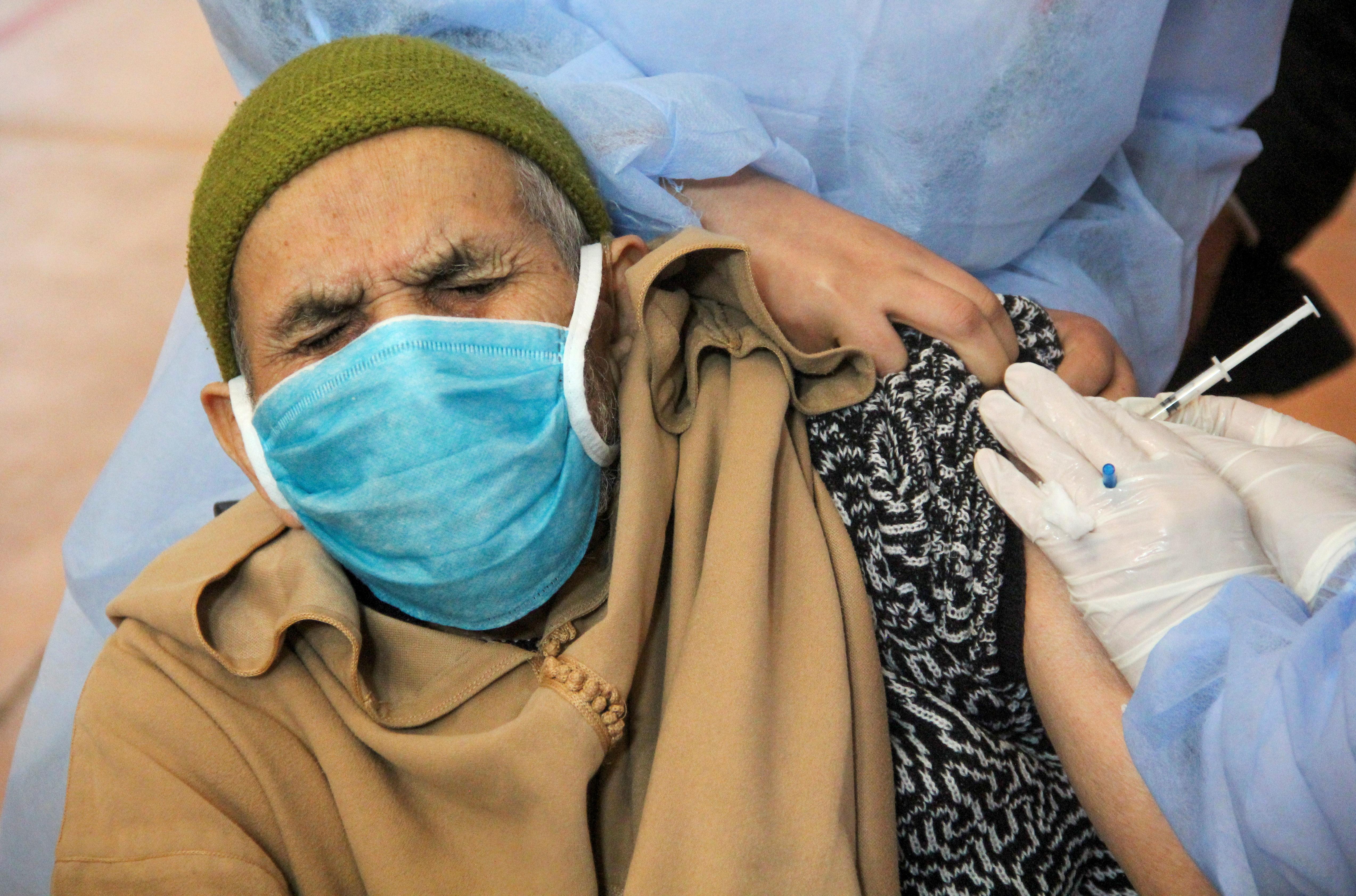 """مرور سنة على جائحة فيروس كورونا المستجدّ في الشرق الأوسط وشمال أفريقيا: مصير """"الدول الأفضل أداءً"""""""