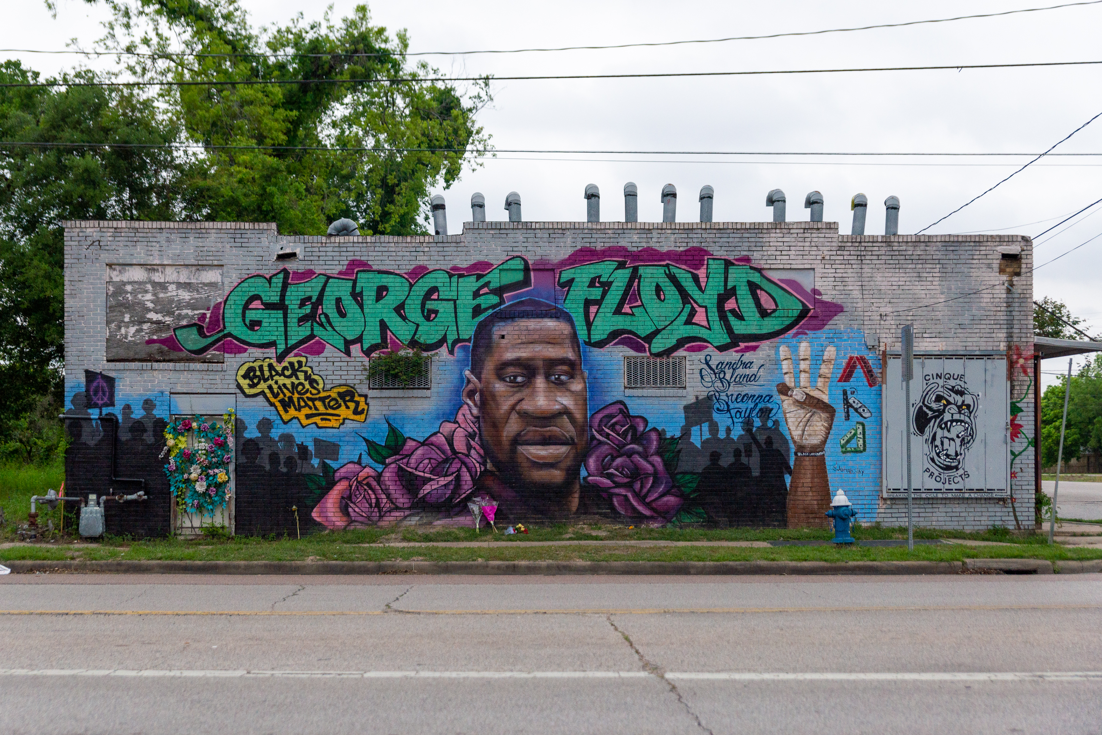 A mural of George Floyd in his hometown of Third Ward, Houston, TX on April 22, 2021. Derek Chauvin was found guilty on all three counts for Floyd's death in Minneapolis on May 25, 2020. (Photo by Jennifer Lake/SIPA USA)No Use Germany.