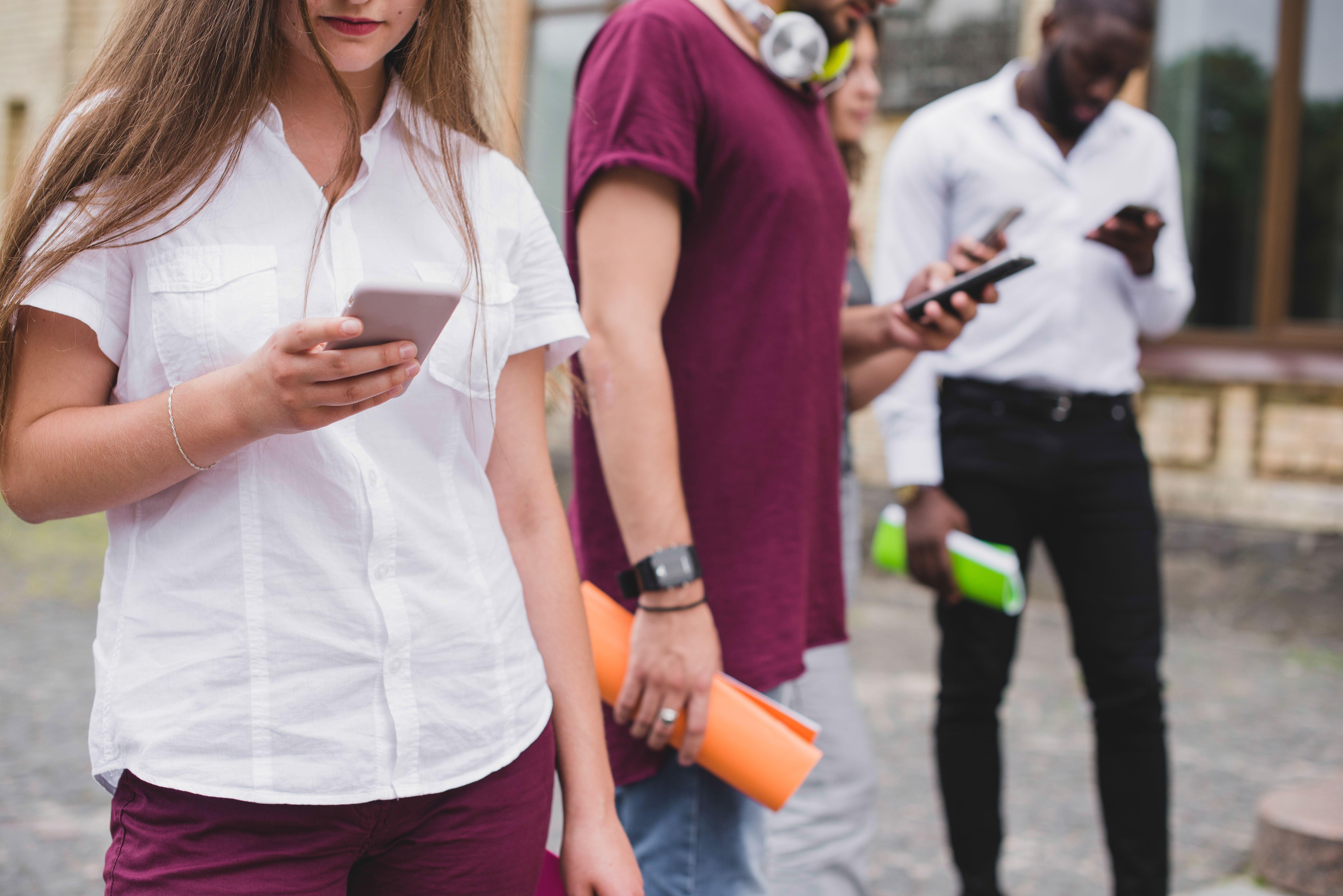 People using smartphone