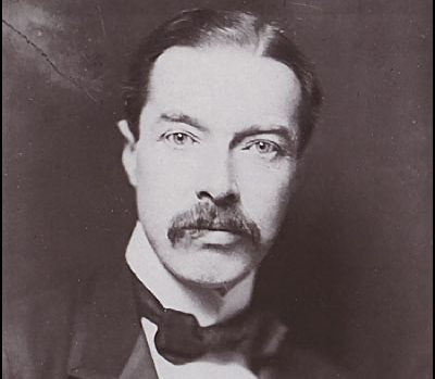 British diplomat Eyre Crowe (1864-1925). Date unknown. Author unknown. Source: Wikimedia Commons