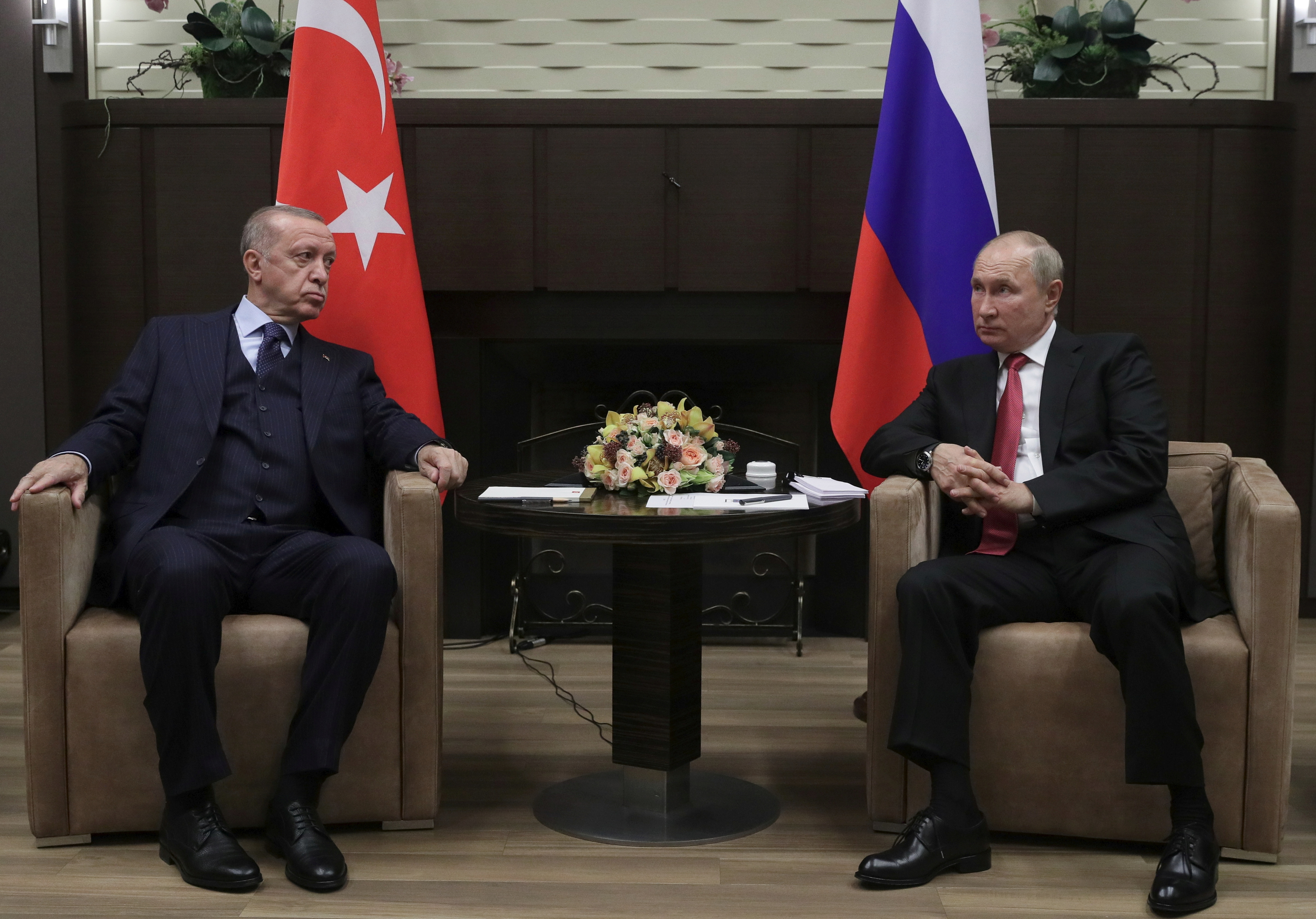 Russian President Vladimir Putin attends a meeting with Turkish President Tayyip Erdogan in Sochi, Russia September 29, 2021. Sputnik/Vladimir Smirnov/Pool via REUTERS  ATTENTION EDITORS - THIS IMAGE WAS PROVIDED BY A THIRD PARTY.